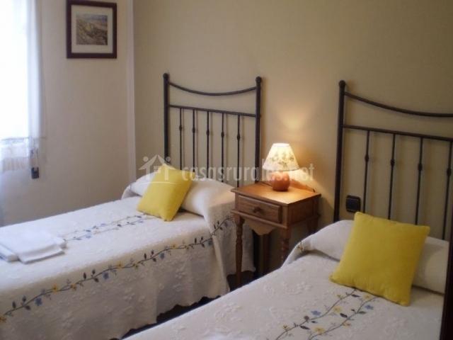 Habitación doble con camas separadas individuales