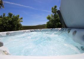 Amplios exteriores con piscina