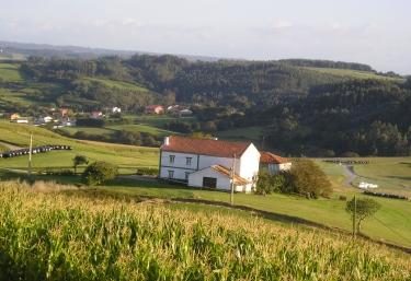 Finca El Carbayal - El Campo (Gozon), Asturias
