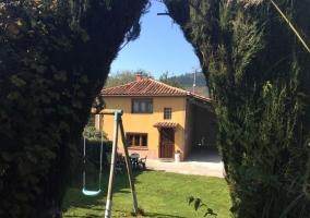 Vistas de la casa y los jardines