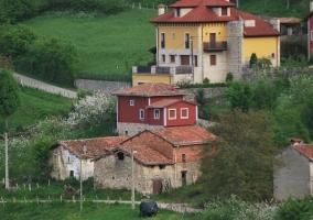 Vistas de la casa en el pueblo