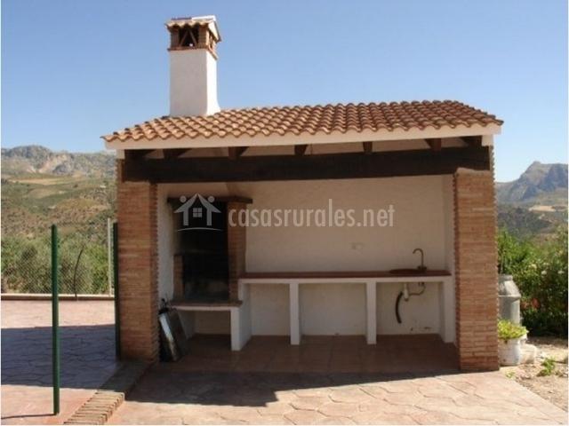 Casa covezuelas en colmenar m laga for Casetas obra baratas