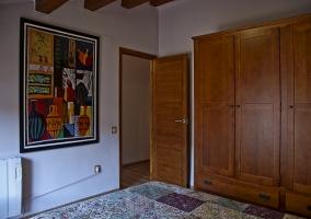 Dormitorio de matrimonio y armarios