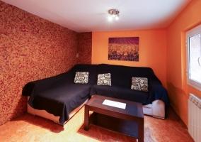 Sala de estar con muebles funcionales