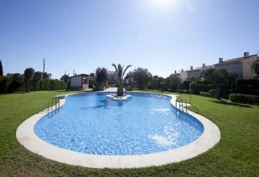 15 casas rurales con piscina en l 39 ametlla de mar for Casa rural 15 personas con piscina