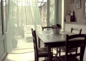 Comedor junto a la terraza