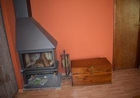 Sala de estar con suelos de madera