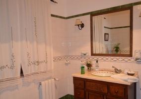 Espejo en el cuarto de baño