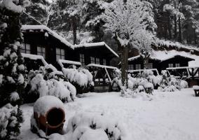 Vistas de los bungalows nevados