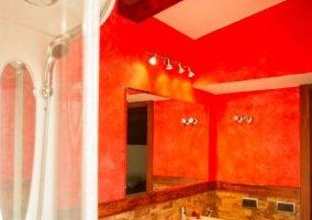 Aseo de la casa en rojo