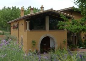 Vistas de la fachada y los jardines