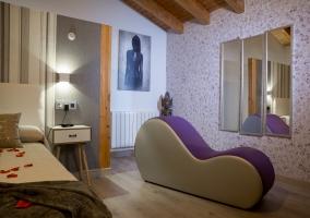Dormitorio con su diván tantra