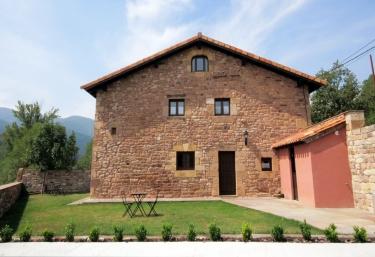 The Deer House - Villar, Cantabria