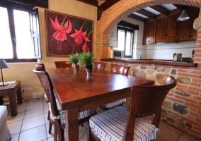 Sala de estar comunicada con el comedor y la cocina