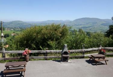 La Cabaña de Bienvenida- Pico La Mesa - Tezanos, Cantabria