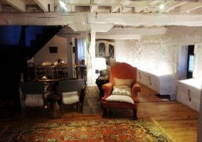 Estancias de la casa con alfombra
