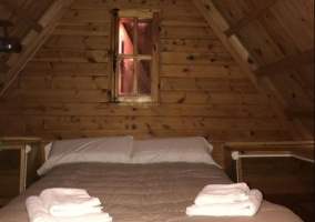 Dormitorio de matrimonio en la planta alta de la casa.JPG