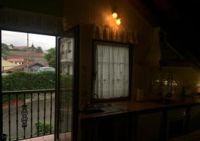 Cocina y salida a la terraza