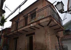 Acceso a la casa y su fachada