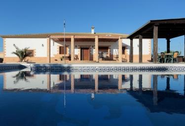 Villa Paquita - La Lantejuela, Seville