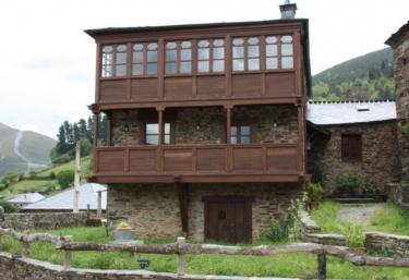 Casa del Ullo - Marentes, Asturias
