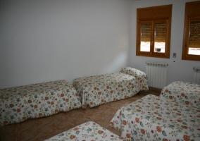 Dormitorio para 9 con camas individuales