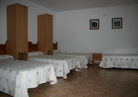 Dormitorio para 9