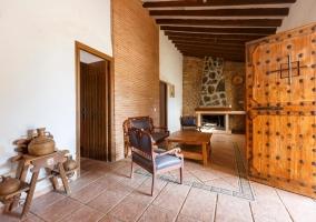 Sala de estar a la entrada de la casa