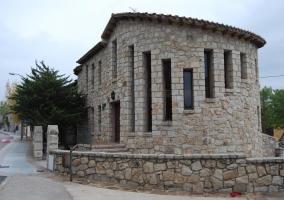 Acceso al alojamiento en piedra
