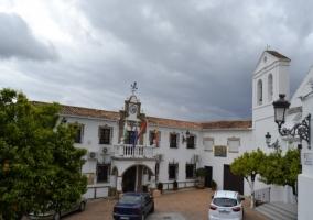 Iglesia junto al ayuntamiento