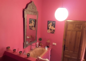 Toilet in pink