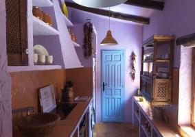 Cocina amplia y luminosa en la casa