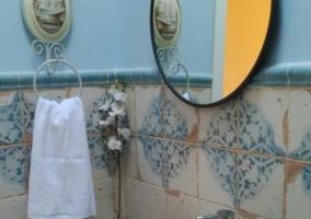 Aseo de la casa en color azul