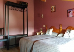 Dormitorio doble con las camas juntas