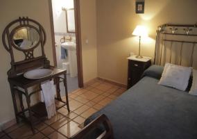 Dormitorio de matrimonio con su aseo integrado