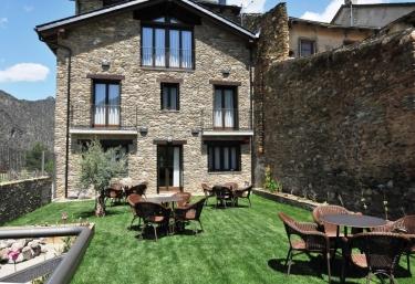 Casa rural La Comella - Tirvia, Lleida