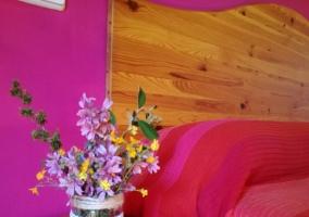 Dormitorio y su mesilla de noche