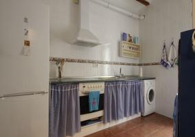 Completa cocina con lavadora y horno