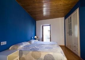 Habitación con doble cama individual