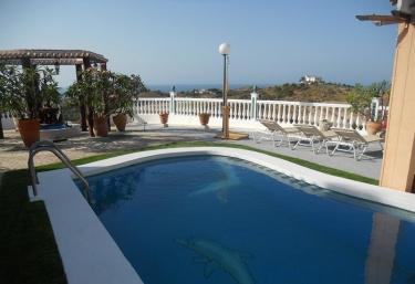 Villa Vista Mar - Torre Del Mar, Málaga