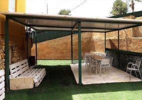 Amplios espacios exteriores techados
