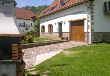 Casa rural Borda Tulubio - Garralda, Navarra