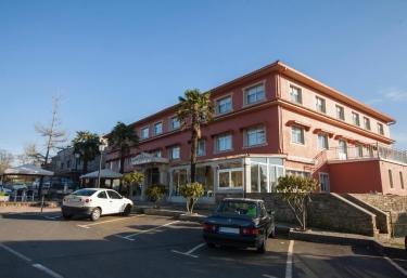 Hotel Garcas - A Lavacolla, A Coruña