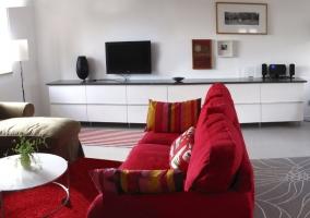 Sala de estar comunicada con la cocina comedor