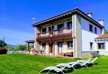 Villa Tiviti - Oviedo, Asturias