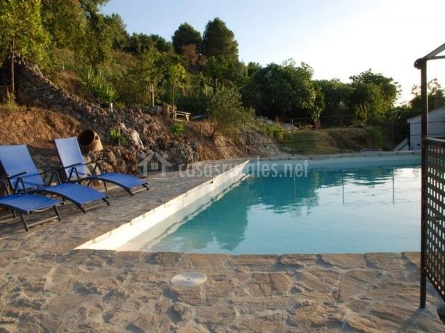 Bodega arcos del capell n en ardales m laga - Suelo exterior piscina ...