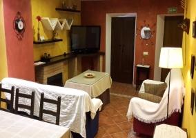 Sala de estar de la casa con vistas de la cocina