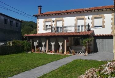 Casa rural La Rasilla - Castillo Pedroso, Cantabria