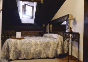 Bonito dormitorio de estilo rustico