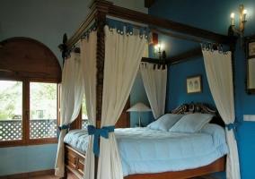 Dormitorio con piscina spa